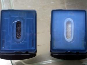 洗浄剤カートリッジES035  1ヶ月使用後(左) と 使用前(右)